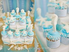 Gorgeous cupcakes! I would not have the patience... (although  now I want a seahorse chocolate mold.)