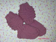 neulotut vauvan villasukat - knitted baby socks