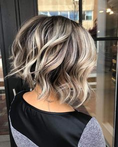 Are you a fan of bob haircuts? A lot of women love them since they are so low-maintenance while being so gorgeous, effortless, and easy to style. If y... Hair Color Balayage, Blonde Balayage, Hair Highlights, Balayage On Short Hair, Blonde Highlights On Dark Hair Short, Brown Balayage, Brown To Blonde, Medium Hair Styles, Curly Hair Styles