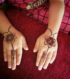 Top Cartoon & Simple Mehndi Designs For Kids: They Just Love Them! Mehendi Designs For Kids, Baby Mehndi Design, Full Mehndi Designs, Henna Tattoo Designs Simple, Finger Henna Designs, Mehndi Designs For Beginners, Mehndi Designs For Fingers, Mehndi Design Images, Mehandi Designs