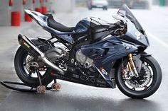 BMW if I ever got a bike it would be a BMW one Bmw Sport, Bike Bmw, Cool Motorcycles, Kawasaki Motorcycles, Side Car, Custom Sport Bikes, Hot Bikes, Super Bikes, Street Bikes