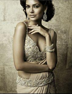 Tarun Tahiliani's Bridal Collection 2012...really pretty. gorgeous, no?