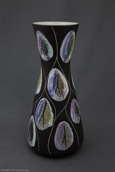 H2013.1.61 - Bay Kongo vase (H2013.1.61) | openMOV