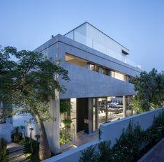 Galeria de Um Corte Concreto / Pitsou Kedem Architects - 10