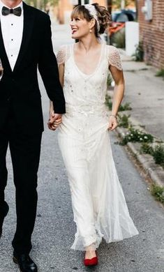 Jenny Packham Eden : buy this dress for a fraction of the salon price on PreOwnedWeddingDresses.com