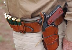 1911 Holster, Holsters, Leather Holster, Leather Projects, Leather Working, Boat Shoes, Guns, Diy, Fashion