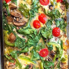 Paleo breakfast: eggs, peppers, mushrooms, spinach, tomatoes