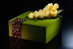 Akina (Green Tea Mango) Matcha tea biscuit base with mango compote and matcha tea mousse Beautiful Desserts, Beautiful Cakes, Amazing Cakes, Gourmet Desserts, Plated Desserts, Matcha, Tea Recipes, Dessert Recipes, Decoration Patisserie