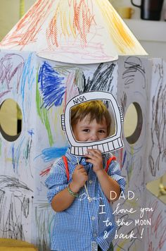 This Father's Day we wanted to do something different in the Bloesem store to celebrate, and as usual the ever-energetic and inspired Anouk from Make History came up with the idea of a Father's Day photobooth! All the props are...