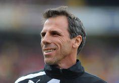Il Cagliari esonera  Zola, al suo posto torna Zeman