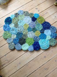 Miss rosengren Carpet knit : Miss rosengren Carpet knit Knitting Designs, Knitting Patterns, Crochet Patterns, Spool Knitting, Knitting Stitches, Finger Knitting Projects, Knit Rug, Wool Thread, I Cord