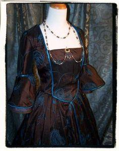 Prussian Blu Renaissance Costume Dress Tudor Gown B 39 | eBay