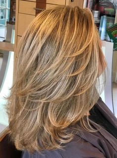 What's the Difference Between Partial and Full Highlights?, Frisuren, Partial vs Full Highlights: Theory, Tips and Examples. Full Highlights Hair, Partial Vs Full Highlights, Color Highlights, Haircuts For Medium Hair, Medium Hair Cuts, Medium Hair Styles, Long Hair Styles, Medium Layered Haircuts, Medium Cut