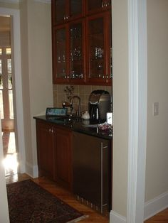 Idea for Bar area in transition b/w kitchen/dining and living room.