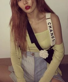 Triple H, Kim Hyun Ah, Hyuna Fashion, Hyuna Kim, Vintage Chanel, Mannequin, Kpop Girls, Blazer, Instagram Posts