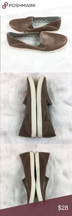Keds Brown Leather Crashback Slip on Sneakers Keds Brown Leather Crashback Slip on Sneakers. Size 8. GUC with no major flaws. Only worn a few times. No box included. Great staple piece for your shoe collection!           ❌I do not Trade  🙅🏻 Or model  💲 Posh Transactions ONLY Keds Shoes Sneakers