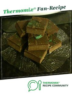 Recipe Peppermint Slice by nickygraham, learn to make this recipe easily in your kitchen machine and discover other Thermomix recipes in Desserts & sweets. Peppermint Slice, Peppermint Crisp, Sweets Recipes, Desserts, Cooking Chocolate, Recipe Community, Food N, Baking, Thermomix