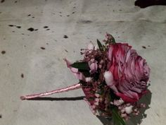 Composed rose bouquet by Frida