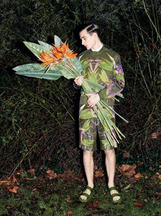 Karl Morrall styled by Nancy Rohde photographed by Frederike Helwig for 10 Men Trend Fashion, Editorial Fashion, Men Editorial, Fashion Editor, Male Fashion, Fashion Addict, Amazing Photography, Fashion Photography, Flower Photography