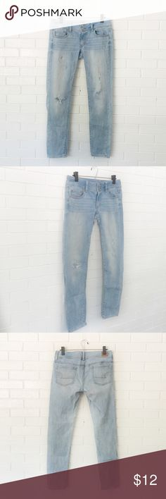 "🔴BOGO FREE🔴American Eagle Light Wash Jeans ♦️️BOGO FREE SALE: Pick any two items at list price and receive the lesser value item for free. Please ask me to create your bundle ONLY when you are ready to purchase♦️  •Very good condition-no flaws •Button front w zipper •5 pocket style •Light wash w subtle fading  •Destroyed front  •Waist: 15.5"" (laying flat) •Inseam: 29""  •NO TRADE/HOLD   •PLEASE ASK QUESTIONS & READ DESCRIPTIONS. Measurements and sizing recommendations are for guidance…"