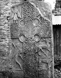 View of front of stone (cross side). Celtic Dragon, Celtic Art, Celtic Crosses, Islamic Art Calligraphy, Calligraphy Alphabet, Wiccan Quotes, Ancient Artefacts, Graffiti Alphabet, Effigy