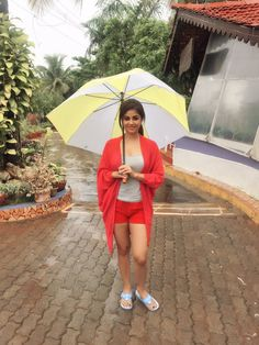 South Indian actress Meera Chopra new photo gallery. Latest hd image gallery of Meera Chopra. Hd Photos, Girl Photos, Girl Photo Poses, South Indian Actress, New People, Latest Pics, Indian Girls, Beautiful Actresses, Indian Beauty