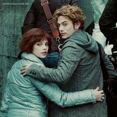 Alice and Jasper- Twilight Alice Twilight, Jasper Twilight, Twilight Saga Series, Twilight Cast, Twilight New Moon, Twilight Pictures, Twilight Movie, Alice Cullen, Bella Cullen