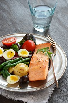 Salmon Niçoise Salad I'm pinning for a chance to win the prize in the Jumpstart Your Morning Contest.