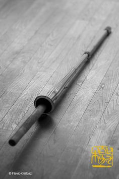 A shinai, the bamboo sword to practice kendo on the floor of the dojō of Wakamatsu Castle in Wakamatsu, Fukushime prefecture, Japan. Photo © Flavio Gallozzi - All rights reserved.