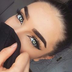 her eyes yeah okay im gonna just sit and admire them from a distance with my bark and poop colored ones k