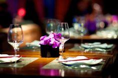 Manger en tete a tete coupon de VILLA DE SIRE MARIN Marseille Le Diner, Wine Glass, Table Decorations, Tableware, Men's Fashion, Coupon, Villa, Home Decor, Marseille