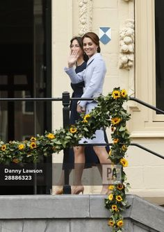 """Mace on Twitter: """"The Duchess of Cambridge arriving at the Mauritshuis in The Hague to visit an exhibition of 22 picture by Dutch artists loaned to the art"""