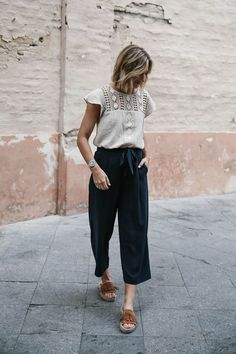 3 Styling Tips on How to Wear Culottes navy culottes outfit and crochet yoke top, women's fashion, how to dress for fall or spring, culotte pants, suede fringe espadrille platforms Mode Outfits, Casual Outfits, Fashion Outfits, Womens Fashion, Fashion Tips, Ladies Fashion, Dress Fashion, Fashion Quotes, Workwear Fashion