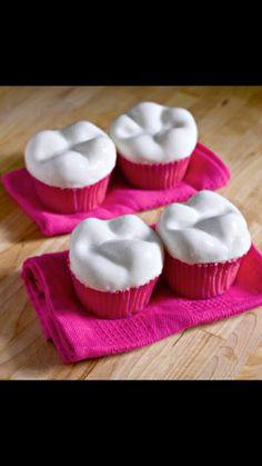 Tooth cupcake
