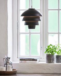 T1007-07-Belid-Valencia-Takpendel-Sort_m2 Valencia, Berlin Design, Suspension Metal, Kitchen Interior, Ceiling Lights, Lighting, Retro, Inspiration, Interiors