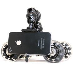 Soporte con ruedas para iPhone para realizar tomas de video.