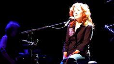 Bonnie Raitt - I Can't Make You Love Me (live in Vienna)