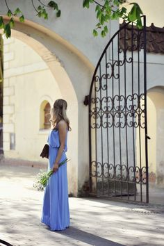 i love anything in periwinkle! great color. and i definitely need more maxi dresses/skirts in my life.
