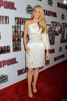 Blake Lively (robe Chanel) lors d'une première de Deadpool à New York le 8 février 2016.