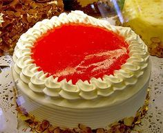 Make and share this Easy Guava Cake recipe from Genius Kitchen. Easy Guava Cake Recipe, Guava Recipes, Cake Recipes, Guava Chiffon Cake Recipe, Frosting Recipes, Hawaiian Desserts, Hawaiian Recipes, Tropical Desserts, Guava Desserts