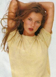 irina-irina-irina:  Kate Moss