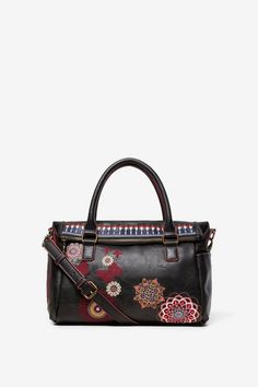 Leather effect bag with boho embroideries, extensible upper flap and additional strap with chains. New Desigual Accessories collection. Free delivery and returns. New Handbags, Small Handbags, Fashion Handbags, Boho, Yellow Backpack, Oversize Pullover, Embroidery Bags, Underwear, Shoes