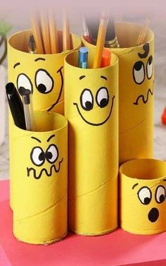 Recycled paper roll in pencil holder - My CMS Kids Crafts, Recycled Crafts Kids, Diy Home Crafts, Diy Arts And Crafts, Recycling Projects For School, Craft Projects, Recycling Ideas, Toilet Paper Roll Crafts, Cardboard Crafts
