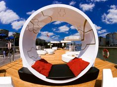 Too Many Agencies - Martini Terrazza Worldwide << Branding - Graphic Design - Furniture Design - Terrace - Wooden floor - White rest suite >>