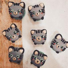 Meowcaron mix emoji! #macaron #honeyandbutter