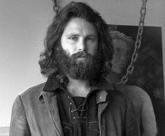 Youtuber asegura que Jim Morrison vive como mendigo -