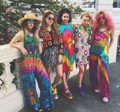 These girls are the rainbow x summer lovin in 2019 одежда, мода, лето. Music Festival Outfits, Festival Fashion, Hippie Outfits, Rave Outfits, Dope Fashion, Colorful Fashion, Pride Outfit, Rainbow Outfit, Romper With Skirt
