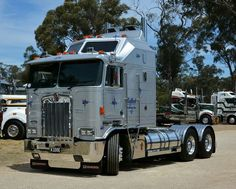coe Kenworth custom K200 aerodyne - US Trailer would like to lease used trailers in any condition to or from you. Contact USTrailer and let us rent your trailer. Click to http://USTrailer.com or Call 816-795-8484