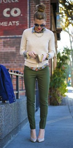 Love the green pants with floral shirt and neutral sweater and shoes! Perfect for spring!