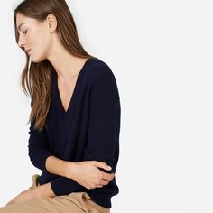 The Cashmere V-Neck | Everlane